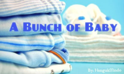 Pile-of-blue-baby-clothes-008